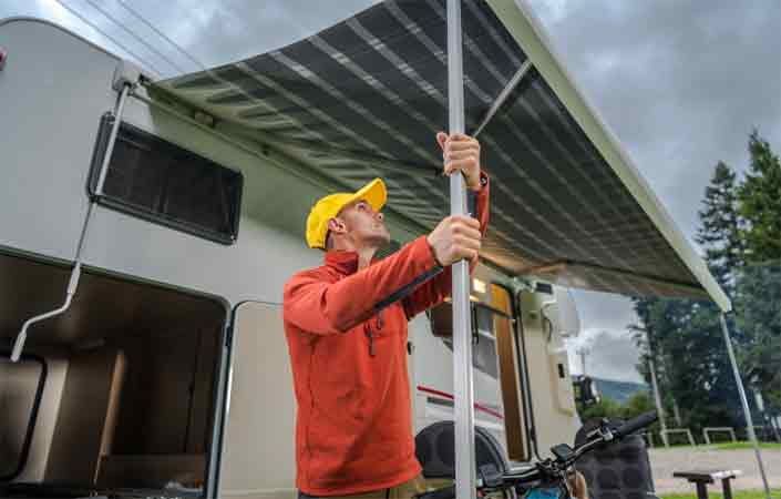A Guide on How to Close an RV Awning